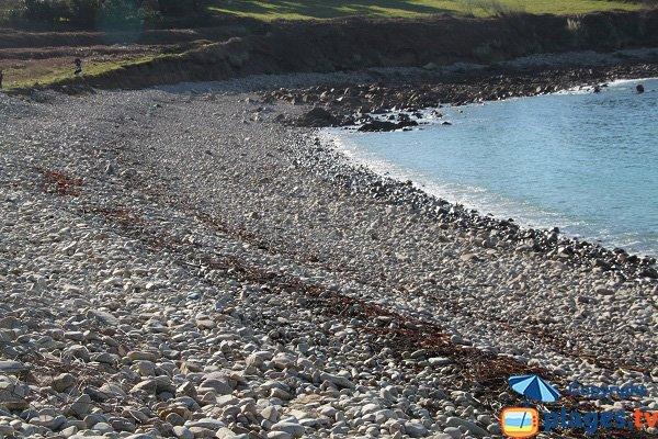 Ombre sur la plage de Keraden à Plougasnou