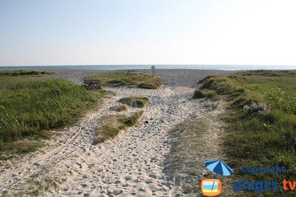 Chemin d'accès à la plage de Kerbinigou - Tréogat