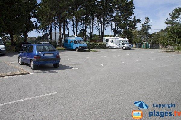 Parking de la plage de Kerbourgnec - rue des Regatiers