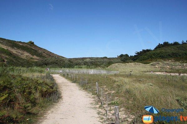 Sentiers autour de la plage de Kerel