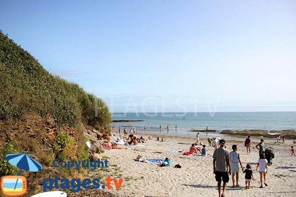Rochers sur la plage de Kerfago de Saint Gildas de Rhuys