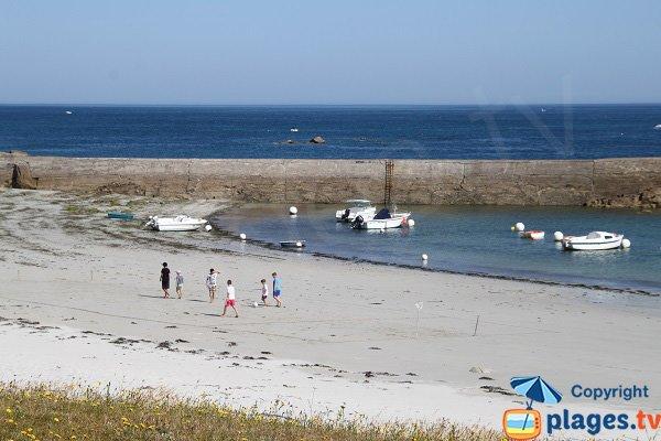 Marée basse sur la plage de Kerfissien - Cléder