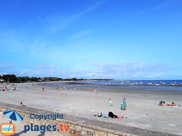 Photo de la plage de Kerfontaine à Sarzeau en été