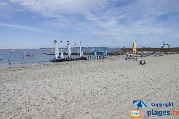 Activités nautiques - plage de Kerguélen