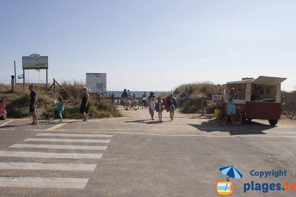 Camion pour se restaurer sur la plage de Kerhillio