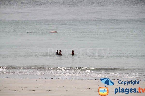 longe-côte sur la plage de Kerhornou de Plouarzel