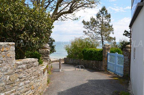 Access to Kerhostin beach in St Pierre de Quiberon