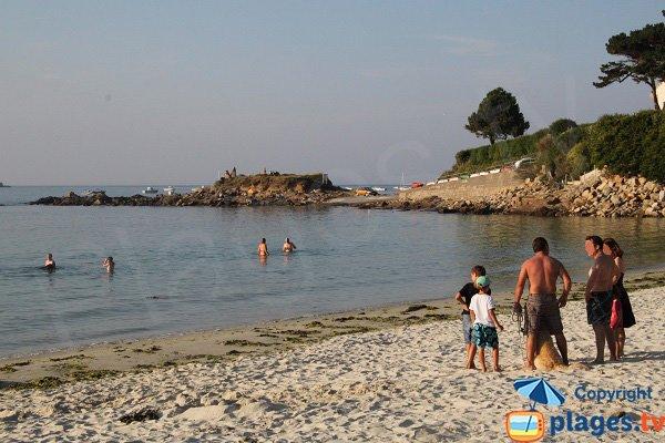 Baignade sur la plage de Keriec