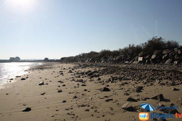 Galets sur la plage du Kerigou à St Pol de Léon