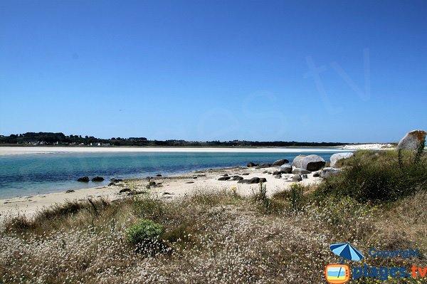 Plage de Kernic avec vue sur les plages de Tréflez