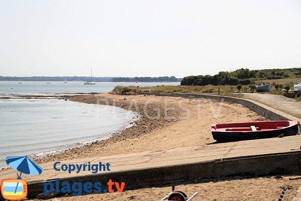 Cale sur la plage de Keroland - Ile d'Arz