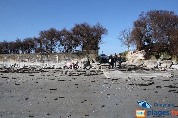 Accès à la plage de Kersaliou à St Pol de Léon