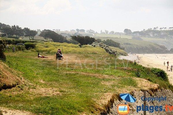 Plateau herbeux autour de la plage de Kervel