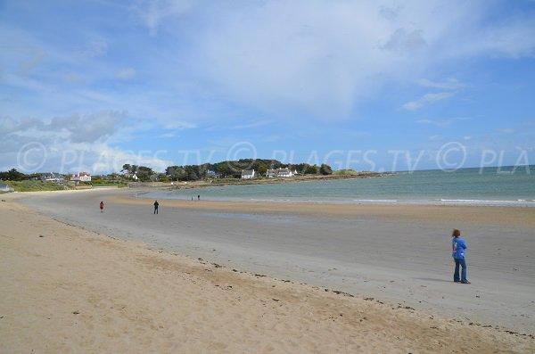 Kervillen beach at low tide - La Trinite sur Mer