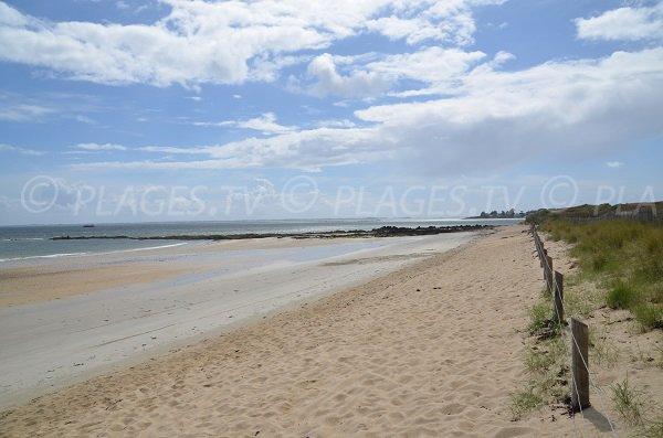 Large beach in La Trinité sur Mer - Kervillen