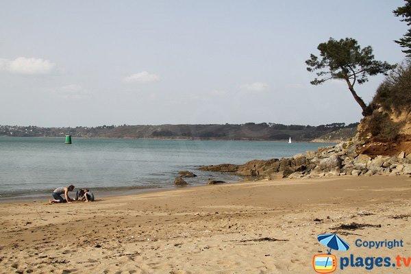 Crique de sable à Locquémeau