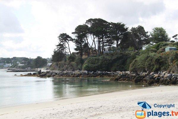 Côté sud de la plage de Korejou à Plouguerneau