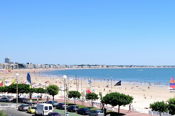 Bay of La Baule with different beaches