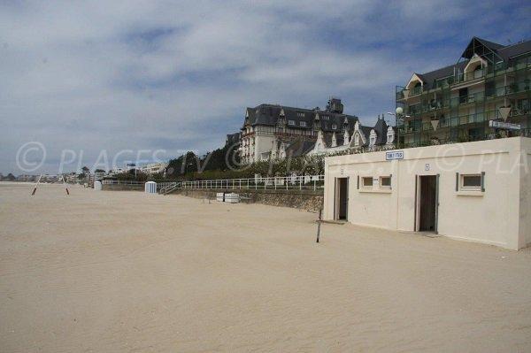 Photo of La Baule beach in winter