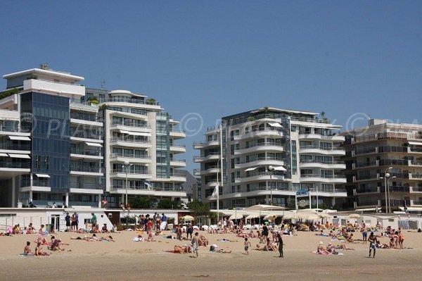 Building along the beach of La Baule