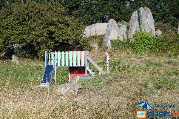 Aire de jeux à proximité des plages de La Croix à Guissény
