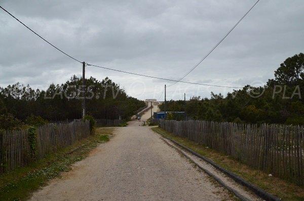 Sentier pour rejoindre la plage Nord depuis le parking