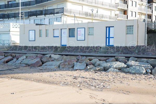 Poste de secours de la plage de Blonville (Laforge)