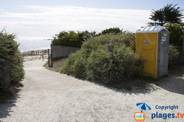 Accès à la plage du Large de Concarneau