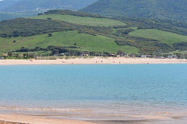 Partie centrale de la plage de Lava en Corse