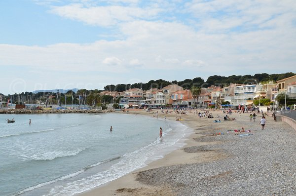 Lecques beach in St Cyr sur Mer with pebbly