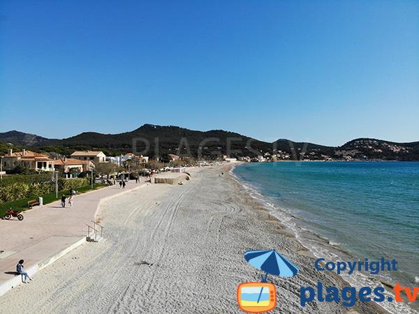 Grande plage à St Cyr sur Mer