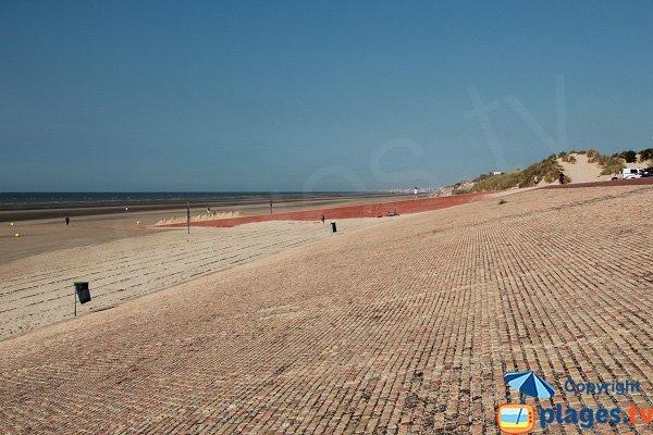 Photo della spiaggia di Leffrinckoucke in Francia