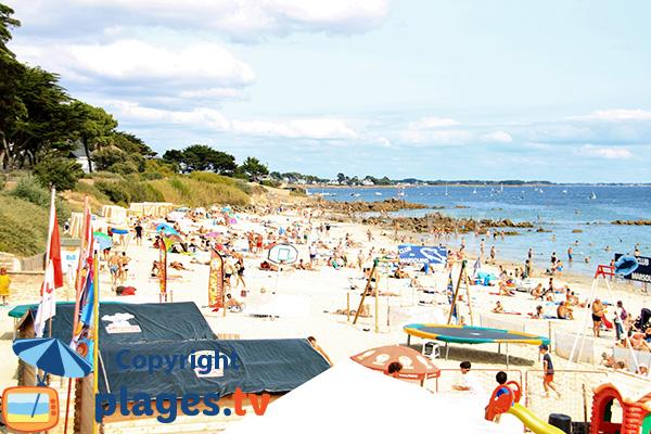 Club pour les enfants sur la plage de Légenèse de Carnac