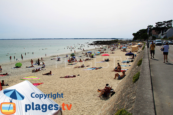 Côté droit de la plage de Légenèse de Carnac