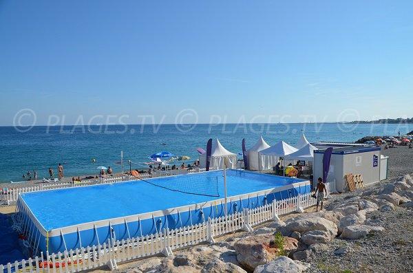 Piscine sur la plage de Lenval de Nice