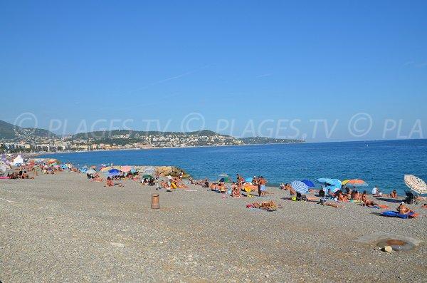 Photo de la plage de Lenval avec vue sur la baie des Anges - Nice