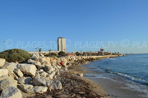 Spiaggia di sabbia vicino al porto di Port de Bouc