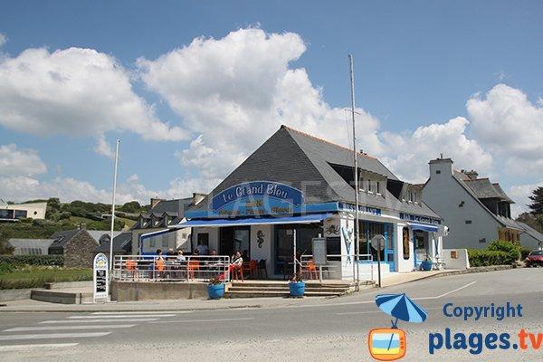 Bar restaurant à proximité de la plage de Lestrevet à Plomodiern