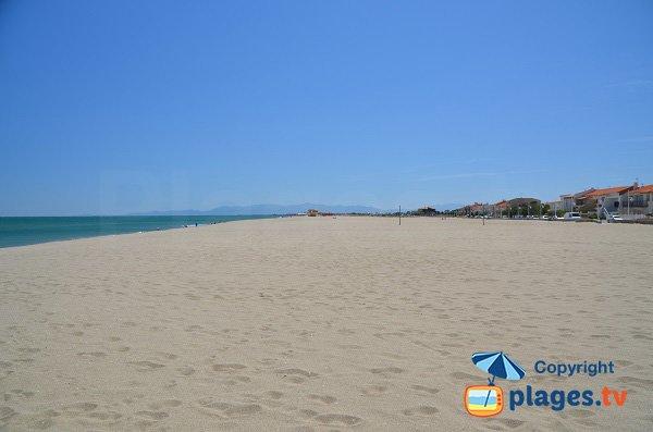 Vaste étendue de sable à Leucate-Plage