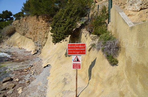 Forbidden access to the Liouquet beach - (nudist zone)