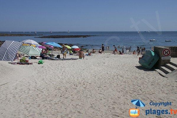 Accès pour les personnes à mobilité réduite sur la plage de Locqueltas - Larmor