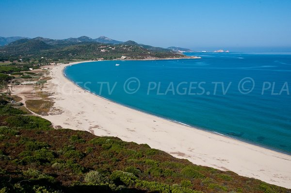 Plage de Lozari à Belgodère en Corse