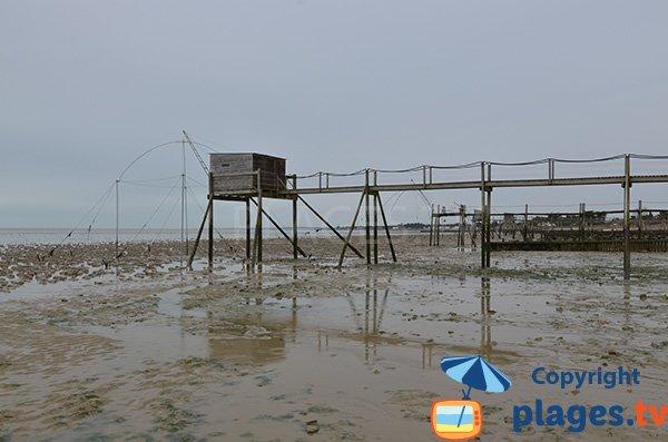 Pêcherie sur la plage au sud des Moutiers en Retz