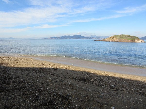 Island of Redonne from the Madrague beach - Giens