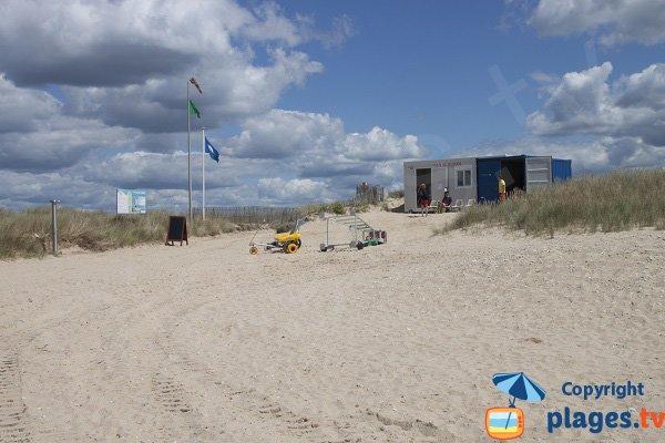Poste de secours de la plage de Magouero à Plouhinec