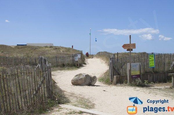 Accès à la plage de Magouero par le poste de secours