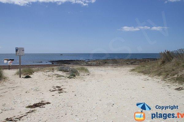 Accès central de la plage de Magouero - Plouhinec
