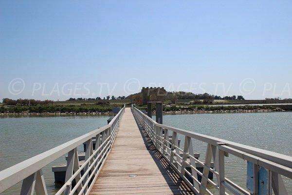 Passerelle de Villeneuve lès Maguelone pour aller sur la plage
