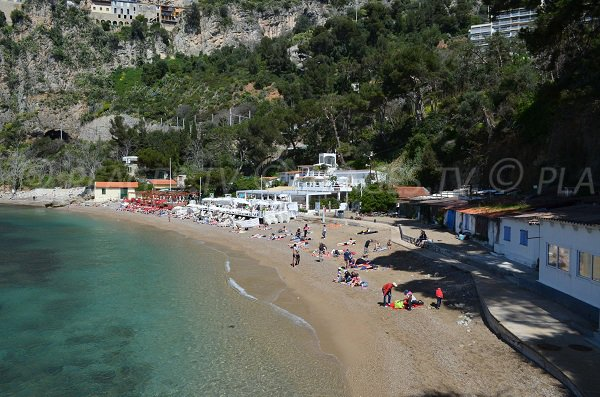 Spiaggia di Mala in estate