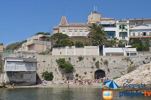 Plage à proximité du Petit Nice de Marseille